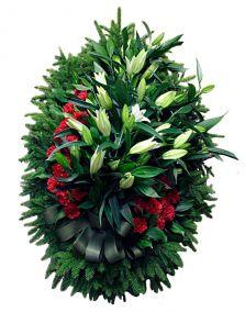 Венок на похороны из живых цветов #17 лилии, гвоздики, хвоя