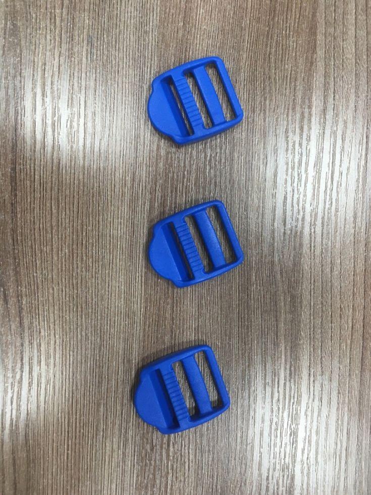 Пряжка-регулятор синий