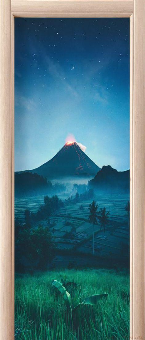 Наклейка на дверь - Подножие вулкана