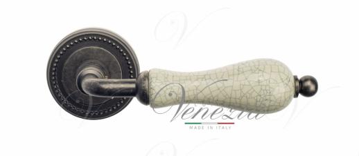 Дверная ручка Venezia Colosseo белая керамика паутинка D3 античное серебро