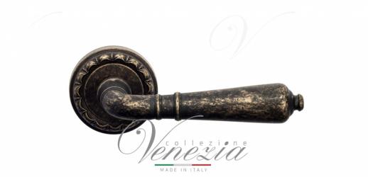 Дверная ручка Venezia VIGNOLE D2 античная бронза