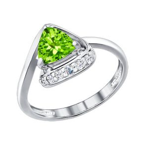 Кольцо из серебра с фианитами и хризолитом 92010680 SOKOLOV