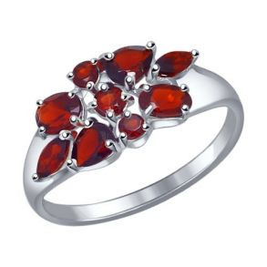 Кольцо из серебра с гранатами 92011104 SOKOLOV