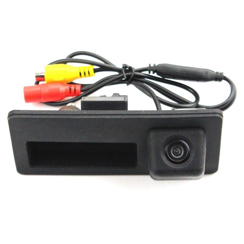 Камера заднего вида в ручку багажника Audi Q3
