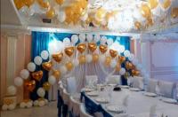 Декор свадебного зала, золото с белым