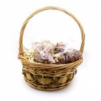 Подарочная корзина из орехов