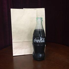 Исчезновение бутылки Coca-Cola (латекс) - Vanishing Coke Bottle (с имитацией напитка)