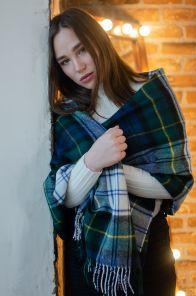 Теплая шаль  100 % стопроцентная шотландская овечья шерсть,  королевский клан Гордон (парадный вариант), GORDON DRESS MODERN TARTAN, плотность 6
