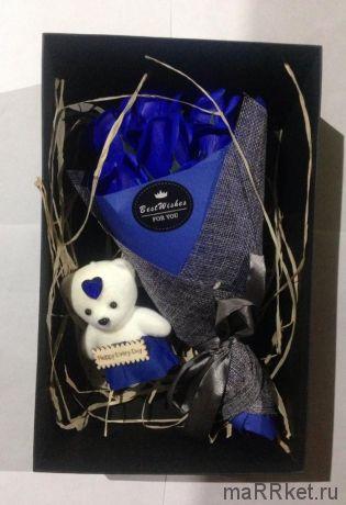 Набор из 7 мыльных роз в коробке с мишкой (синий)