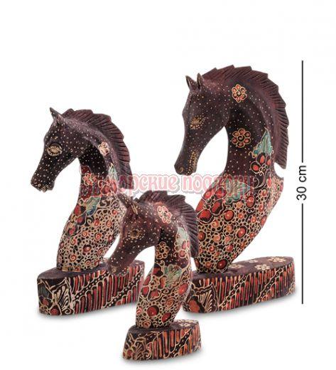 """10-013 Фигурка """"Лошадь"""" набор из трех 25,20,15 см (батик, о.Ява)"""