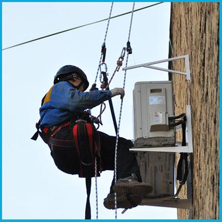 Монтаж внешнего блока кондиционера 5-7 кВт альпинистом
