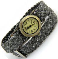 Часы на плетёном браслете