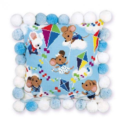 Набор для вышивания крестом Подушка Выше облаков №1836 фирма Риолис