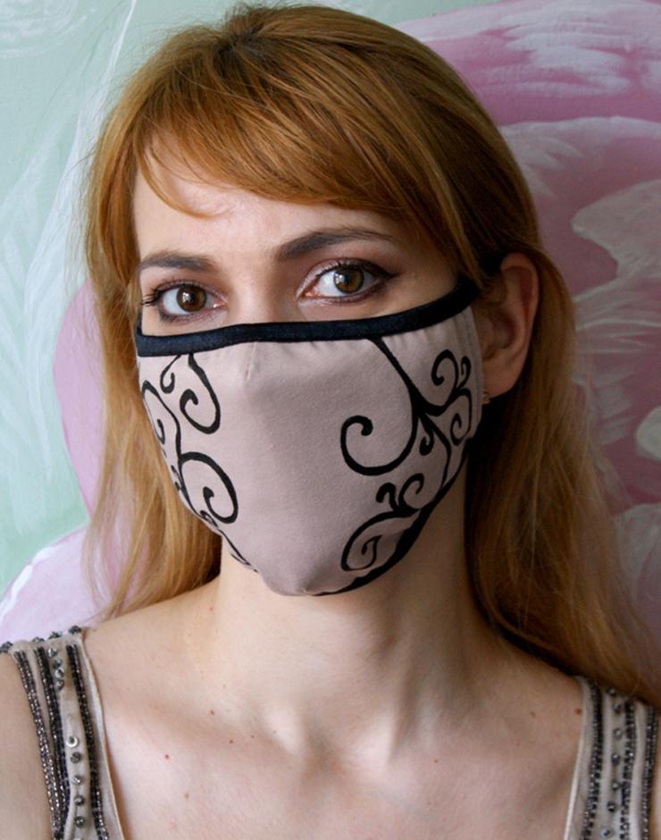 Женская бежевая маска