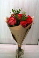 7 роз - Игуазу в крафт бумаге (60 см)