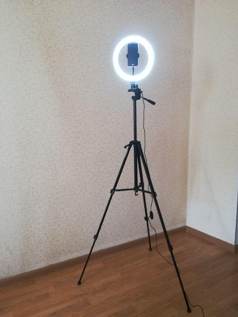 Кольцевая светодиодная лампа 26 см  Live Ring Light, со штативом