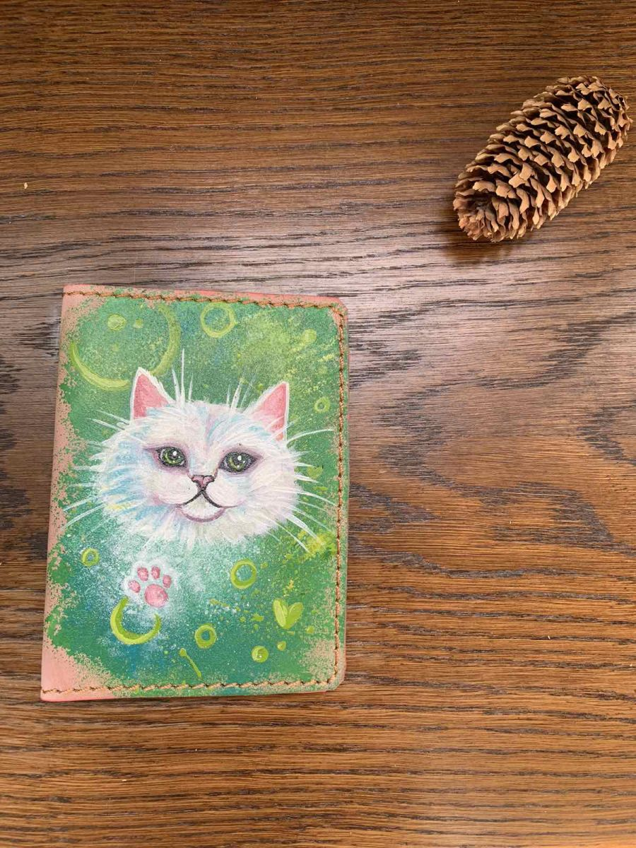 Обложка на паспорт и автодокументы Белая кошка