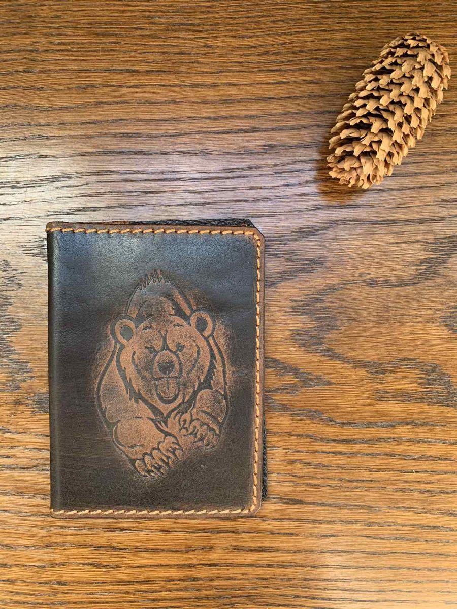 Обложка на паспорт и автодокументы Медведь