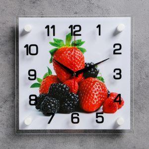 """Часы настенные, серия: Кухня, """"Клубника и ежевика"""", 25х25  см, микс 1165442"""