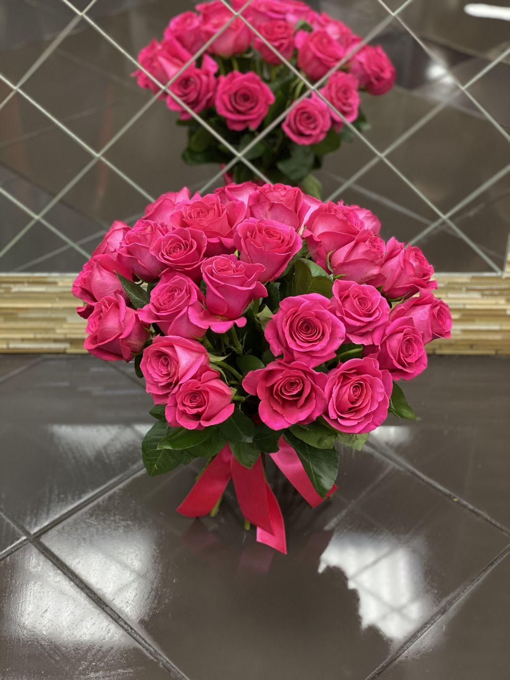 Букет из 25 роз розовых Пинк Флойд