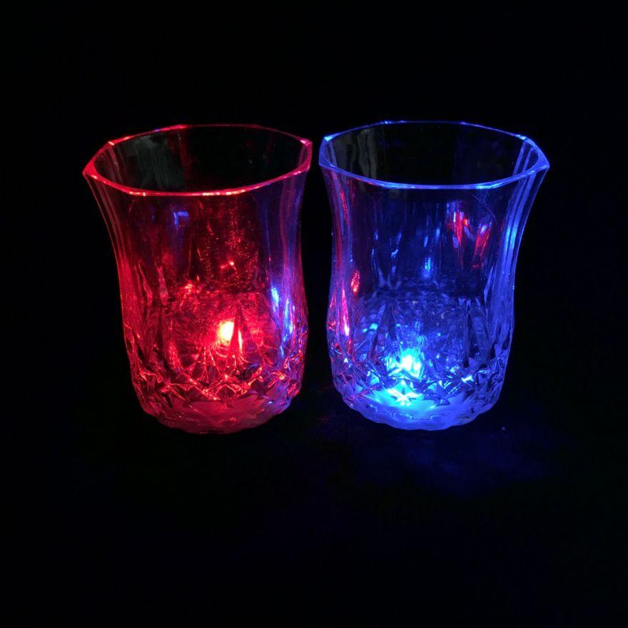 Мерцающая рюмка Light-up Liquid Activated Glass, 70 мл ( 1 бокал)