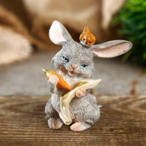 "Сувенир полистоун миниатюра ""Зайка с морковкой с птичкой на голове"" 6,5х5,5х6 см   4128476"