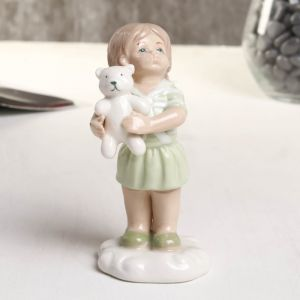 "Сувенир фарфор ""Девочка с мишкой"" зелёный 6х5.2х10.2 см   4677404"