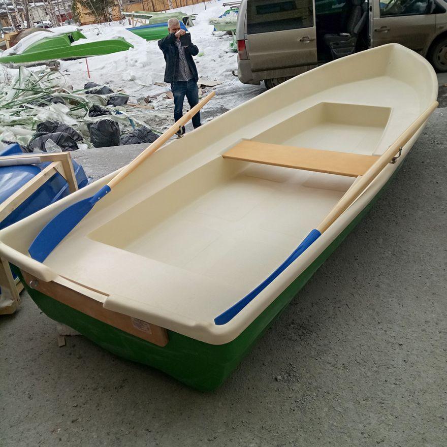 Пластиковая лодка ВИЗА Нейва-4