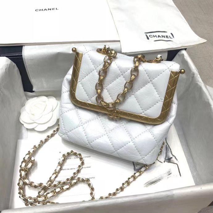 Chanel 18 cm