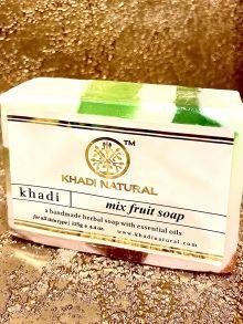 """MIX FRUIT Soap Khadi (Мыло ручной работы """"Фруктовый Микс"""" Кхади), 125 г."""