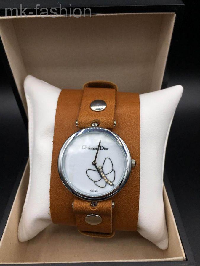Часы на широком ремешке Dior