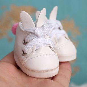 Обувь для кукол 5 см - туфли белые с ушками и помпоном