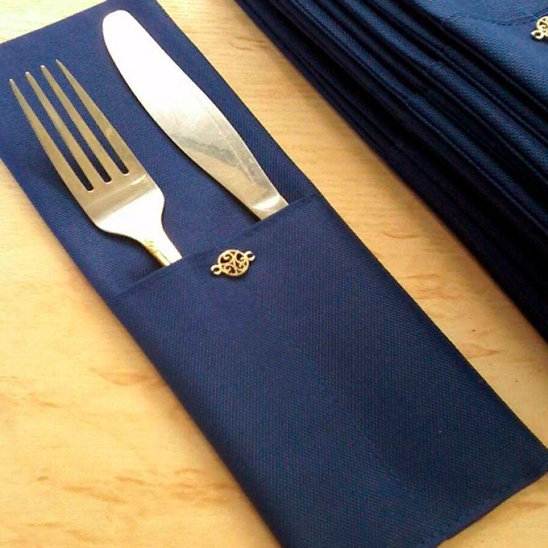 Кармашек для столовых приборов с декоративным элементом