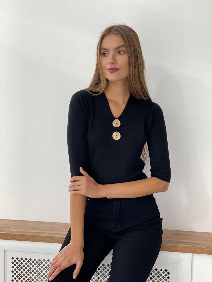s2585 Пуловер чёрный с декоративными пуговицами