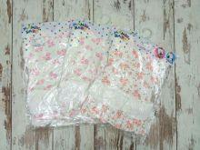 Платье упаковано по 1 штуке, упаковка с вешалкой