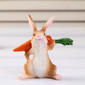 """Сувенир полистоун """"Заяц с морковкой"""" 8,3х8,5х3,5 см    4444802"""