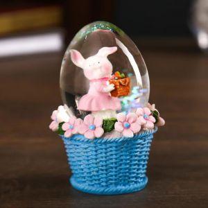 """Сувенир полистоун водяной шар """"Пасхальный кролик в корзинке с яйцом"""" МИКС 8х5,5х5,5 см   4555580"""