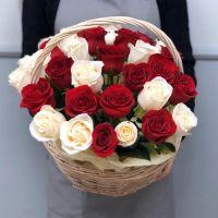 31 роза Эквадор в корзине