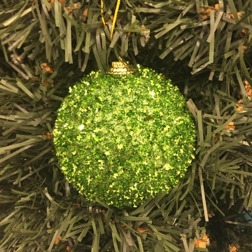 Набор новогодних шаров в мишуре, 6 шт (Диаметр шаров - 6 см)