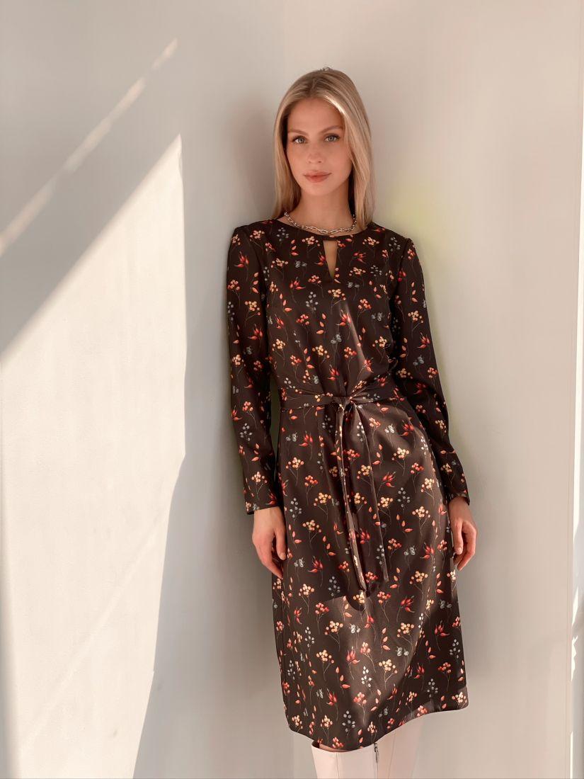 s2855 Платье полуприлегающего силуэта с принтом