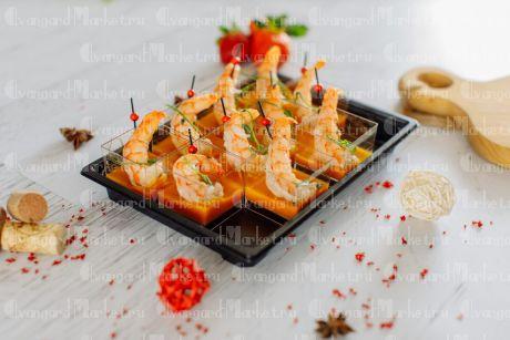 Жареная креветка с соусом манго