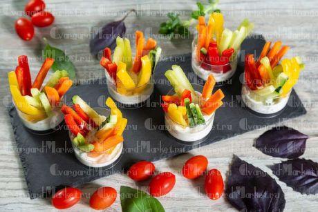 Овощные брусочки с соусом