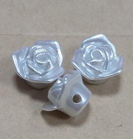 Бусины розы 10 шт