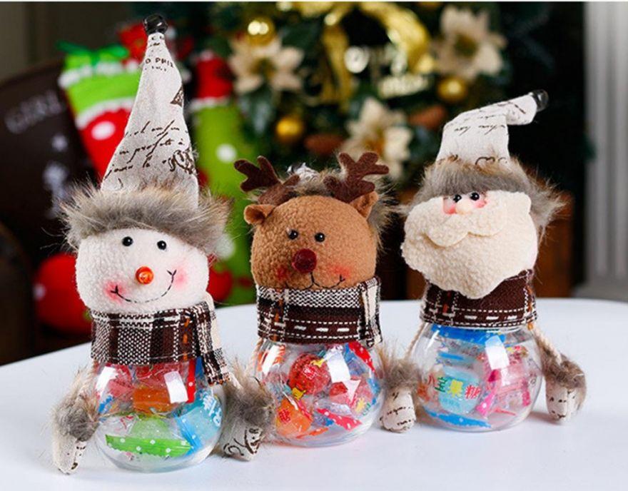 Новогодняя пластиковая банка с игрушкой для конфет