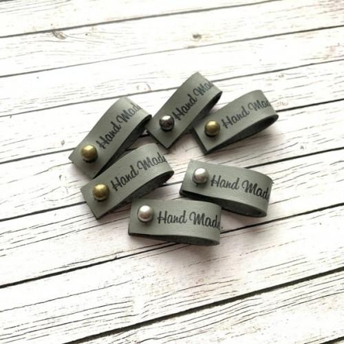 Бирка кожаная Hand Made с кнопкой 1,3х7см Серый