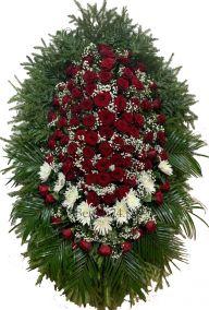 Ритуальный венок из живых цветов #7 красные розы, белые хризантемы, хвоя