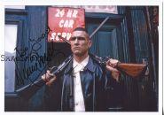 Автограф: Винни Джонс. Карты, деньги, два ствола