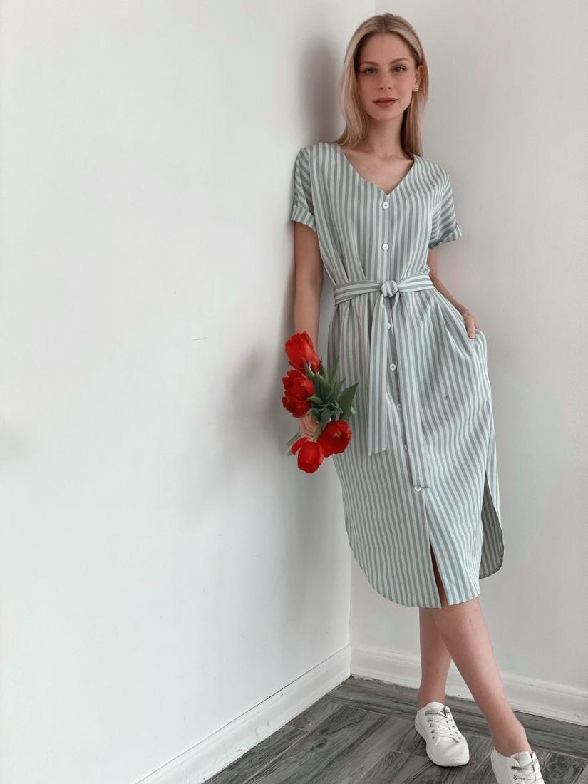 s3819 Платье-рубашка в полоску-ёлочку в холодном голубом цвете