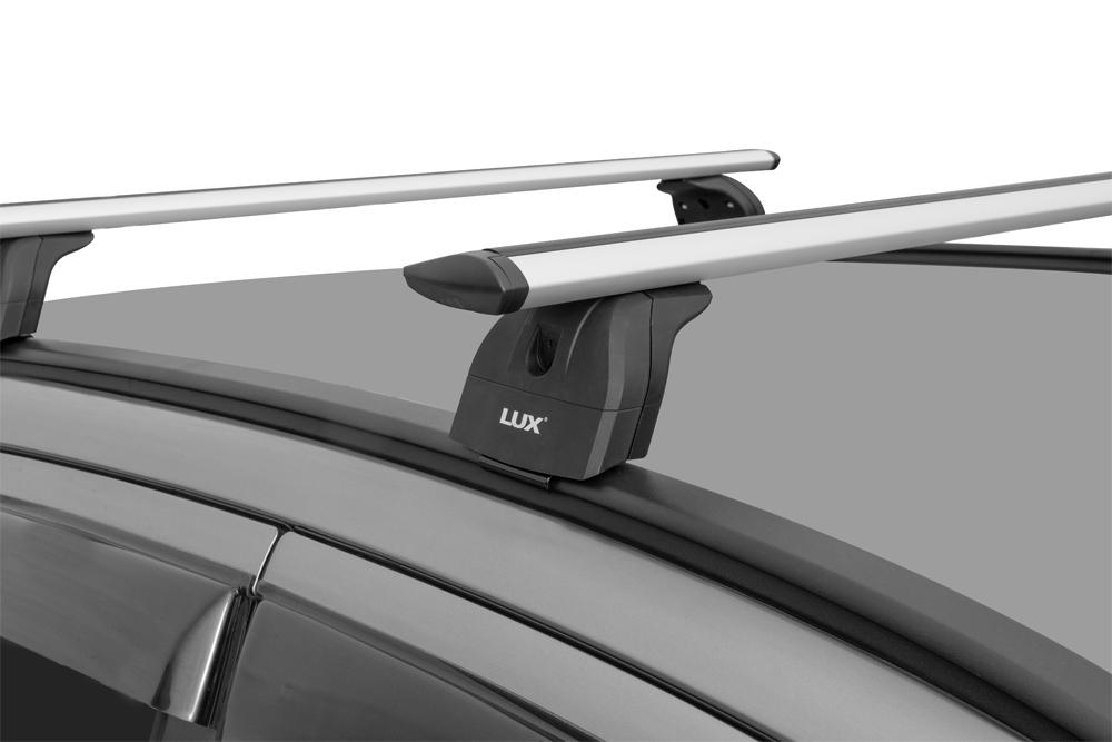 Багажник на крышу Suzuki Vitara 2015-..., Lux, крыловидные дуги на интегрированные рейлинги