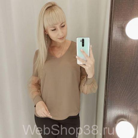 Кофейная блузка с прозрачными рукавами